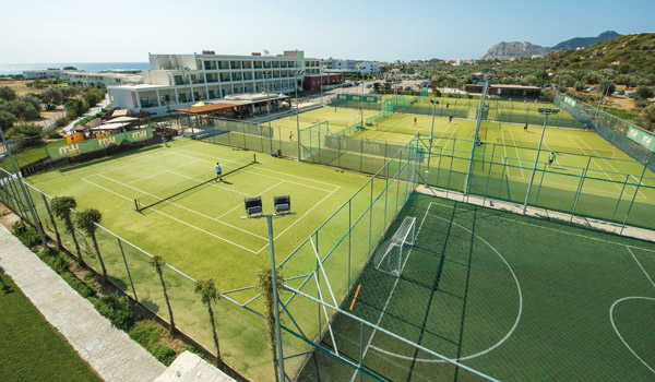 Tennis courts at Levante